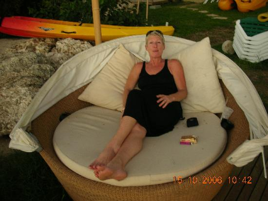 Mango Bay All Inclusive: loved this chairbed especially with a cocktail in hand watching the sunset