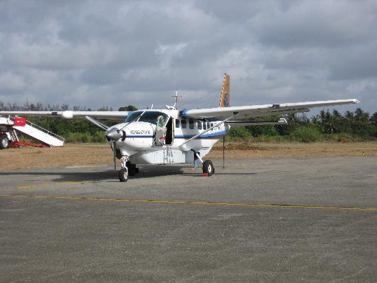 Turtle Bay Beach Club: the plane that flew us to the mara