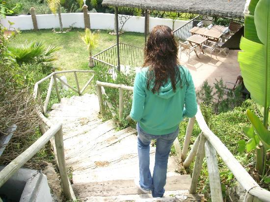 Hotel Rural Molino de Santillan: acceso a la piscina