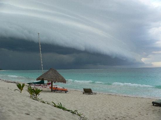 Punta Allen, México: tropical storm approaching