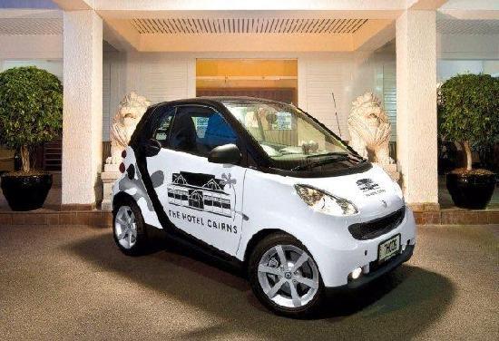 The Hotel Cairns: このスマートカーが借りれます。