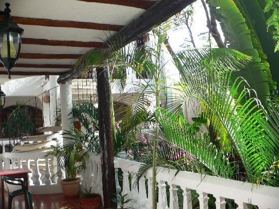 Paraiso Azul's -Casa De Gopala: great veranda