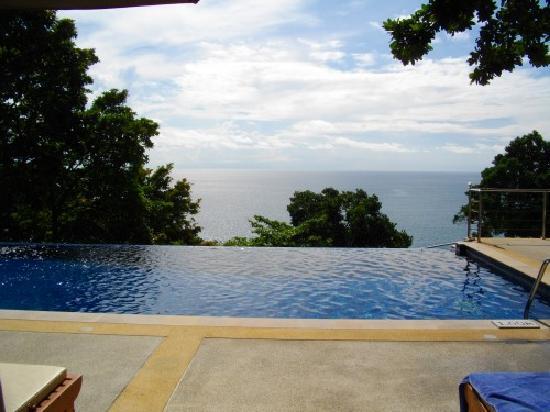 Secret Cliff Resort: Pool