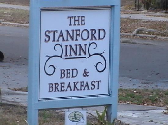 Stanford Inn Sign