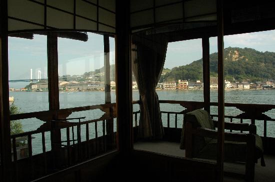 Ryotei Ryokan  Uonobu : 「須磨の間」からの景色(1)