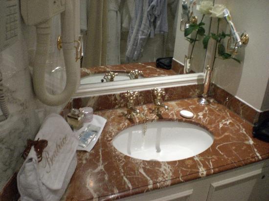 เดอะริทซ์ ลอนดอน: il bagno