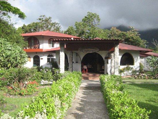 Hotel Los Capitanes Eco-resort: Entrée de l'hôtel