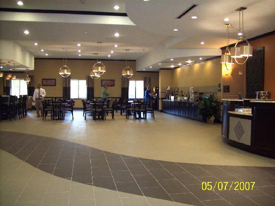 BEST WESTERN PLUS Texoma Hotel & Suites: Lobby
