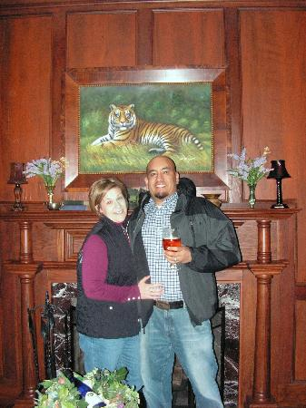 Tradition Inn: Dinner @ Crown Ridge Tiger Santuary