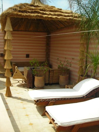 Riad Aguaviva: la terrasse ou l'on peut se relaxer dans le calme et le confort !!!