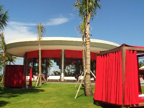Club Med Bali: le bar de la piscine