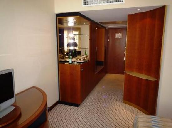 Le Royal Hotels & Resorts - Luxembourg: chambre vip entrée