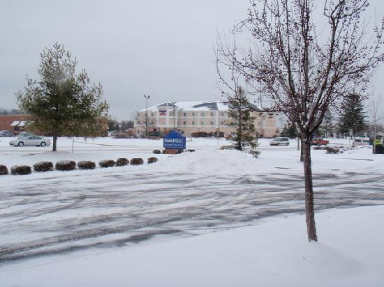 Extended Stay America - Toledo - Maumee : Snowy day in Toledo.