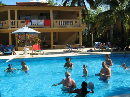 Hotel Celuisma Cabarete: Fun in the pool
