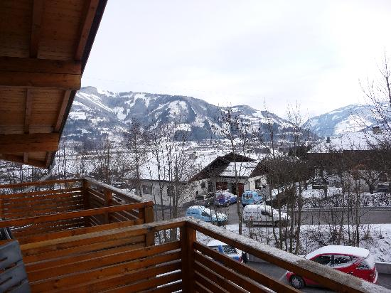 Kinderhotel Rudolfshof Vitality: Blick vom Balkon ins Kapruner Tal