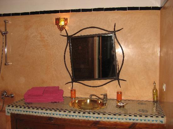 Riad Dar El Aila : Salle de bains