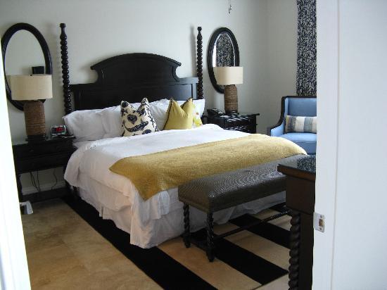 Key West Marriott Beachside Hotel: Bedroom - suite