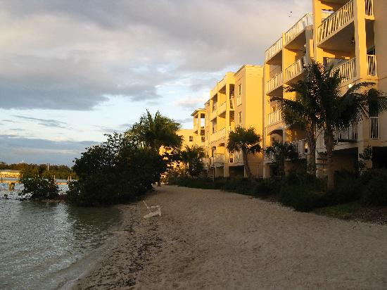 Key West Marriott Beachside Hotel: Hotel w/beach area