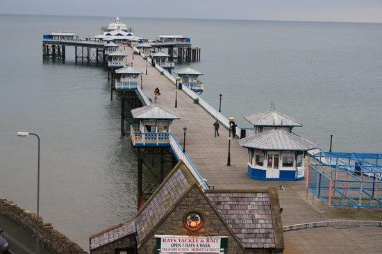 Can-y-Bae: The pier at Llandudno