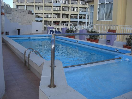 Bernard Hotel: the pool on the roof