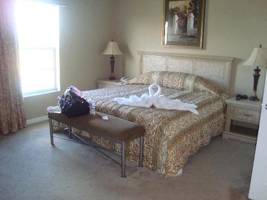 WorldQuest Orlando Resort: Master Bedroom