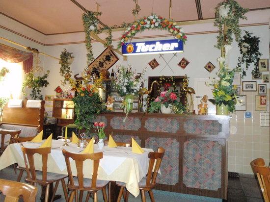 Gaststatte Dubrovnik: Decorated for Easter