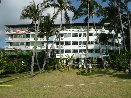 Grand Sea View Hotel: Hotel viewed from beach