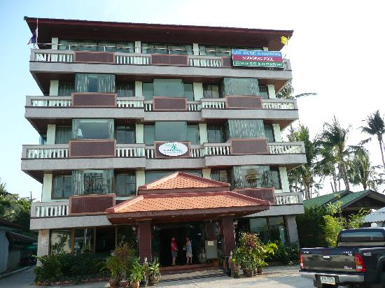 Grand Sea View Hotel: Front of hotel