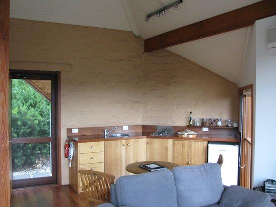 Kangaroo Ridge Retreat: Kitchenette