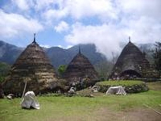 Nusa Tenggara Timur, Indonesia: Wae rebo villege by Leonardus
