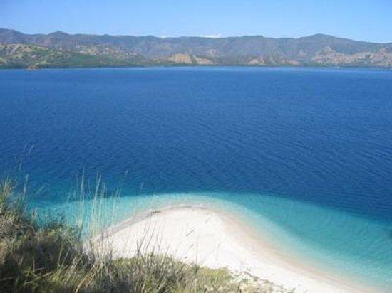 East Nusa Tenggara, อินโดนีเซีย: Rutong beach by leonardus