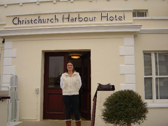 Christchurch Harbour Hotel & Spa: Front of Hotel