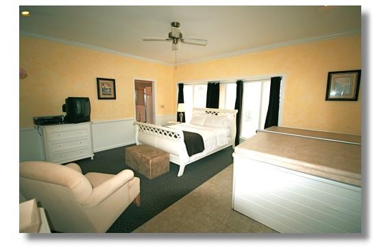 Abbey Inn: Jasmine Hot Tub Room