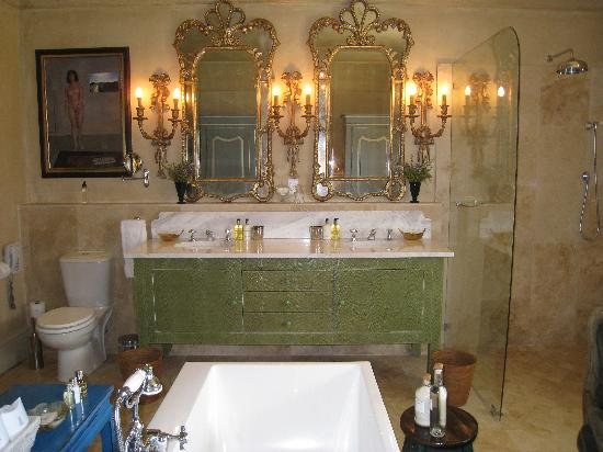 our bathroom at La Residence