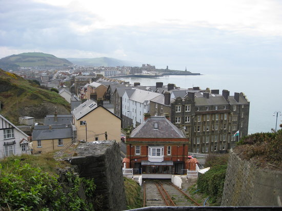 Aberystwyth Cliff Railway: View on the way up