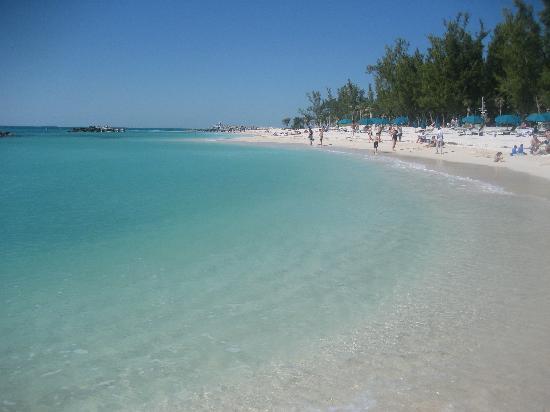 Marquesa Hotel: La plage a 10 min a pieds