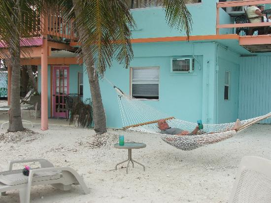 White Sands Inn : lots of places to chill