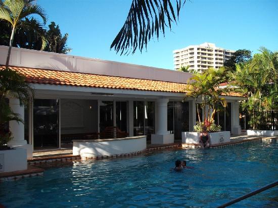 Marrakesh Resort Apartments: Main pool & indoor pool-rec building behind