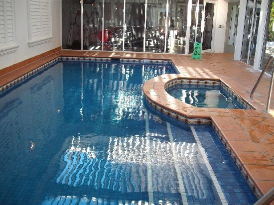 Marrakesh Resort Apartments: Indoor heated pool, spa & gym