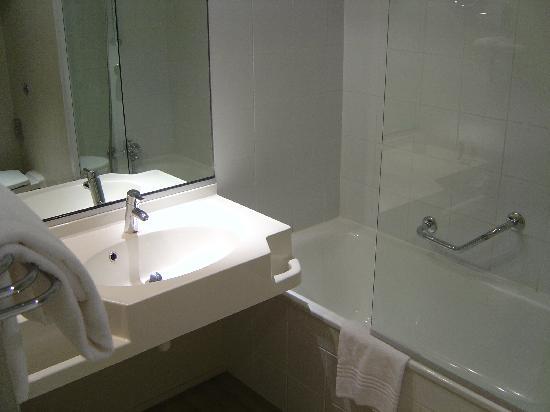 Mercure Rouen Val De Reuil : room 220