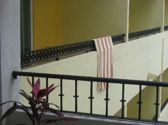 Marina de Oro: The closeness of the other resorts balcony with no locks on our sliders