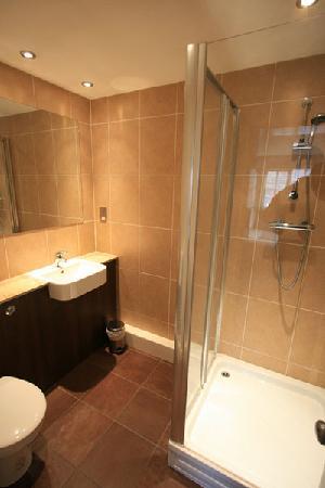 Warwick Arms Hotel: Warwick Arms Bathroom