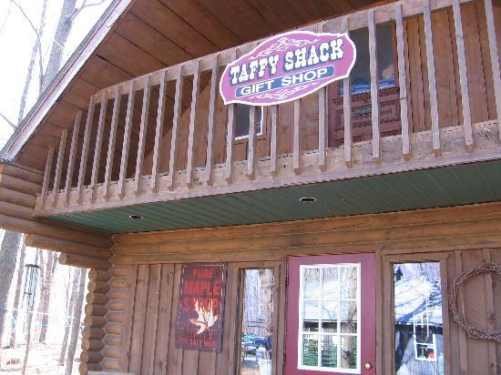 Sand Road Sugar Camp: Sand Road Taffy and Gift Shop