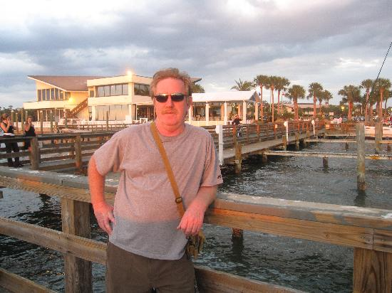 Best Western Plus Yacht Harbor Inn: from the pier with the Best Western in the background