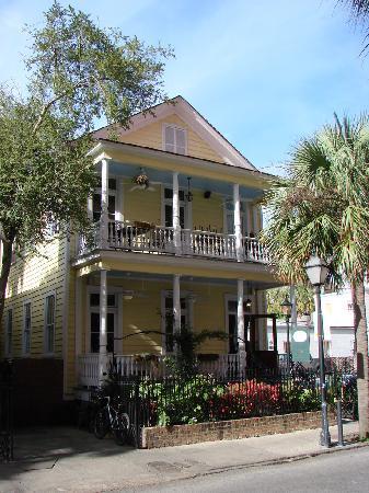 Poogan S Porch Restaurant Charleston Sc
