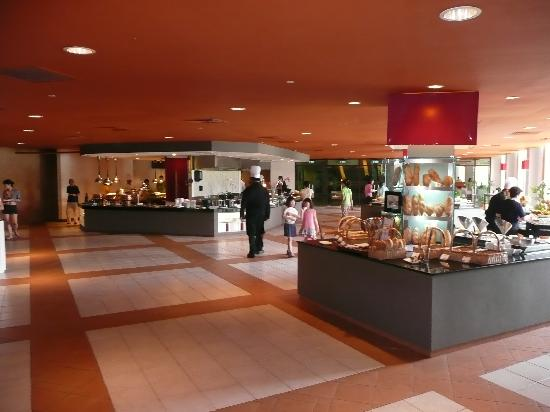 Club Med Bintan Island: lunchtime buffet