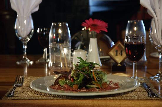 Kelway Hotel: Dining in Farriagers Restaurant
