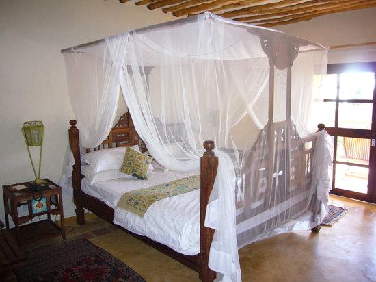 Neptune Pwani Beach Resort & Spa: chambre superbe mobilier