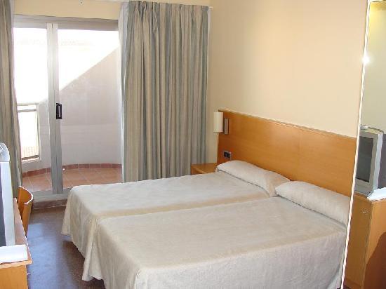 Oliva, Spanien: Habitación