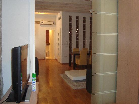 Dubrovnik Boutique Apartments : 3rd floor apt bath (identical to 2nd floor apt)